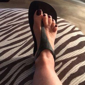 Shoes - Crocs black sandals size 8